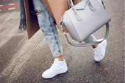 Купить женскую спортивную обувь оптом. Сток оптом.