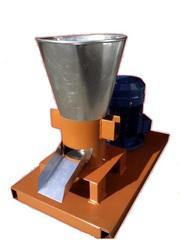 Гранулятор комбикорма бытовой с плоской матрицей 150мм 4, 0квт 380в до