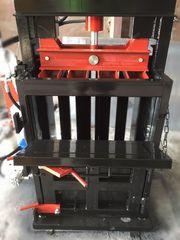 Пресс вторсырья компакт на 5 тонн 1.1 кВт 220-380В. Пресс для макулату
