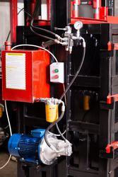 Пресс для вторсырья Силач на 18 тонн на 4 кВт. Пресс для макулатуры